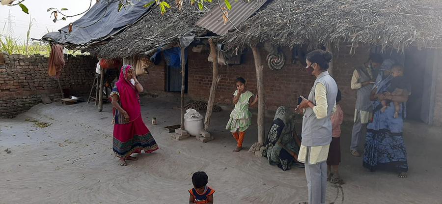 Shakti's workers perform vison screenings in India.