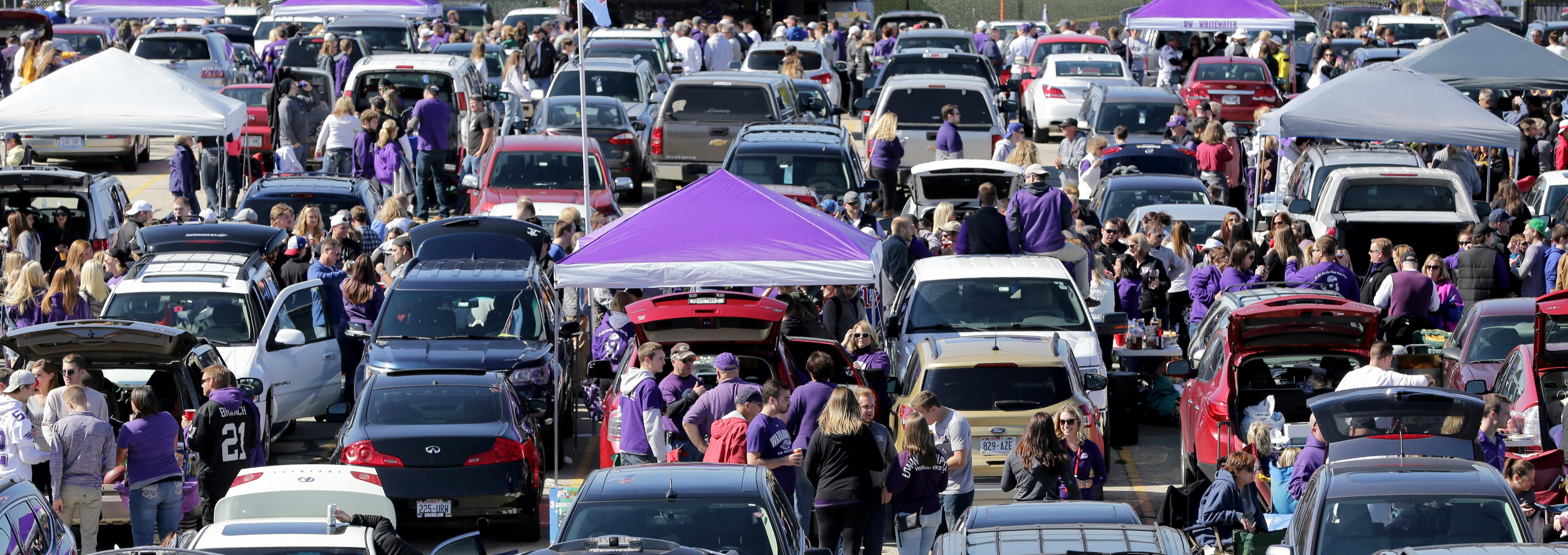 Image: Tailgate parking lot